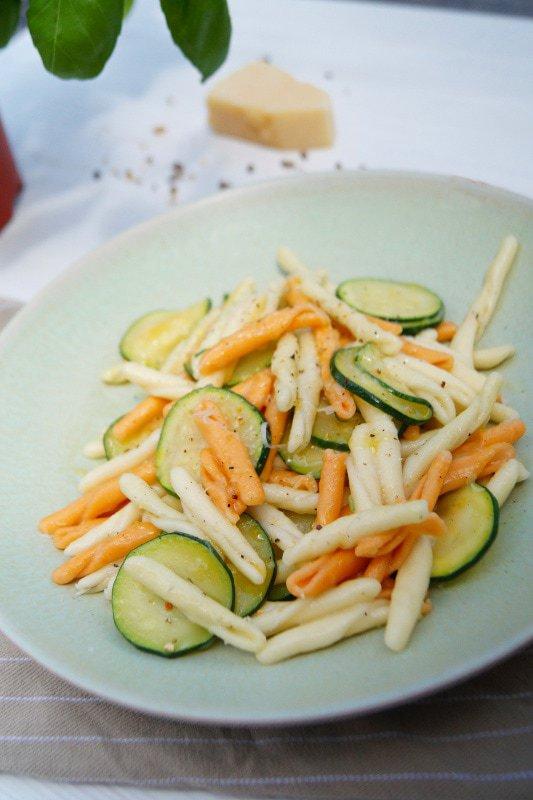 Maccharoncini con Zucchini e pecorino