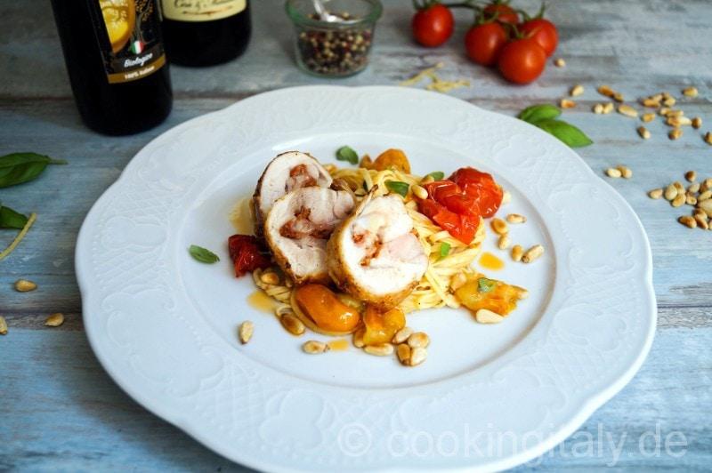 Tagliolini mit Pomodori misti und gefülltem Hähnchen