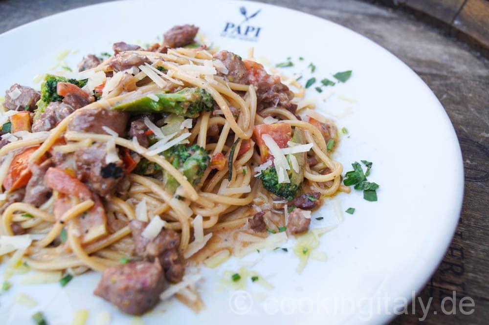 Spaghetti Salsiccia e Brokkoli
