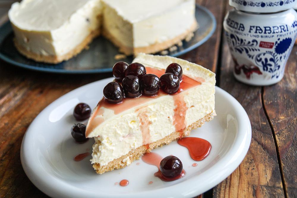 Tiramisu Cheesecake mit Amarenakirschen