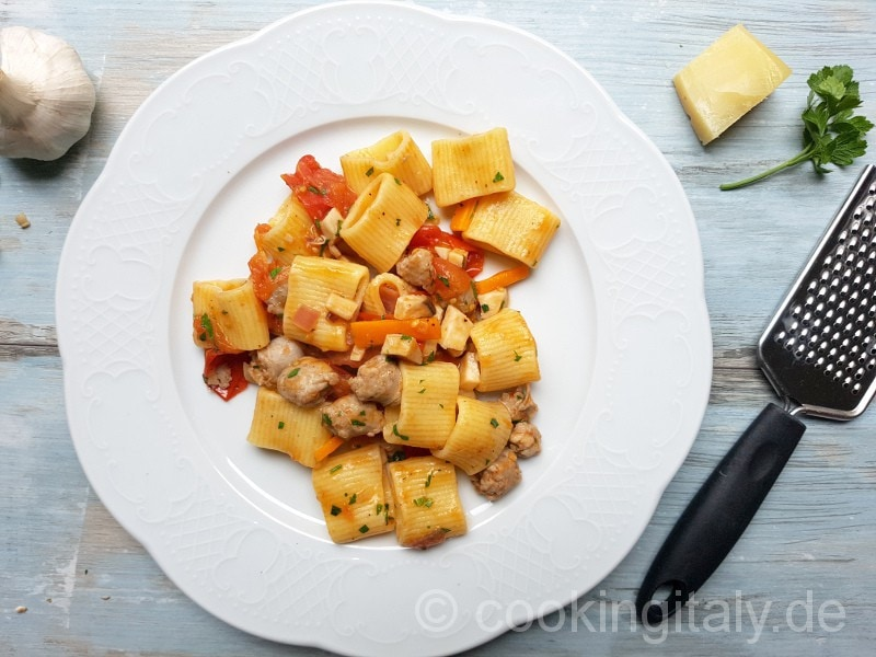 Funghi con Salsiccia - Pilze und Bratwurst