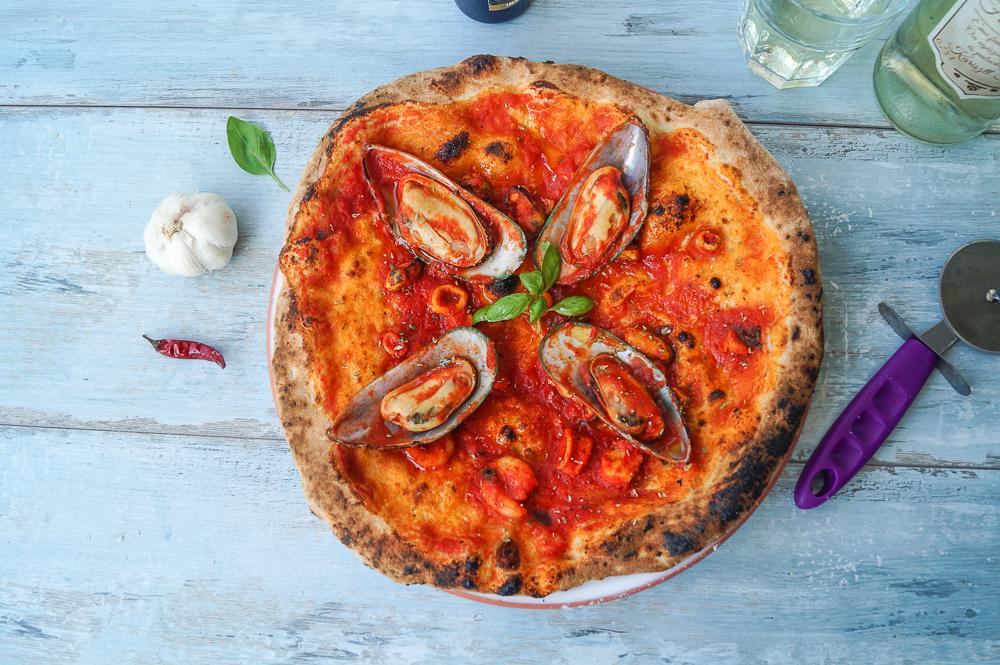 Pizza Napoletana alla Pescatore