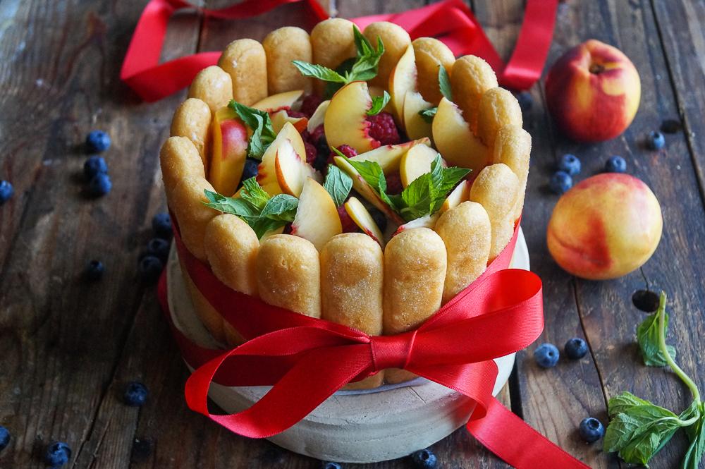 Sommer Tiramisu mit Früchten