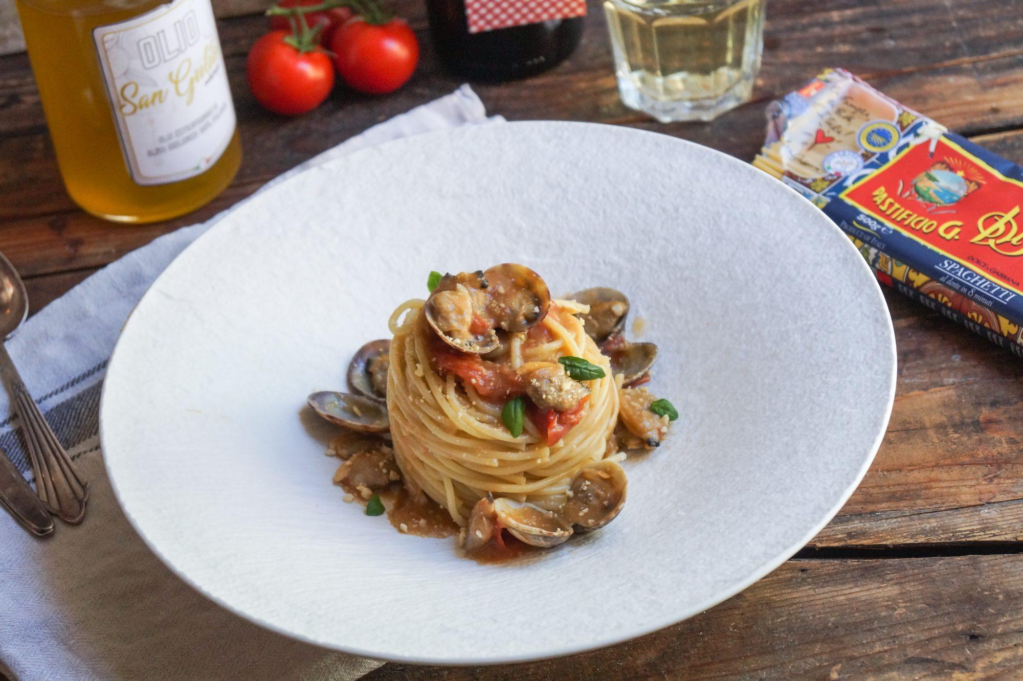 Spaghetti Vongole al sugo di taralli