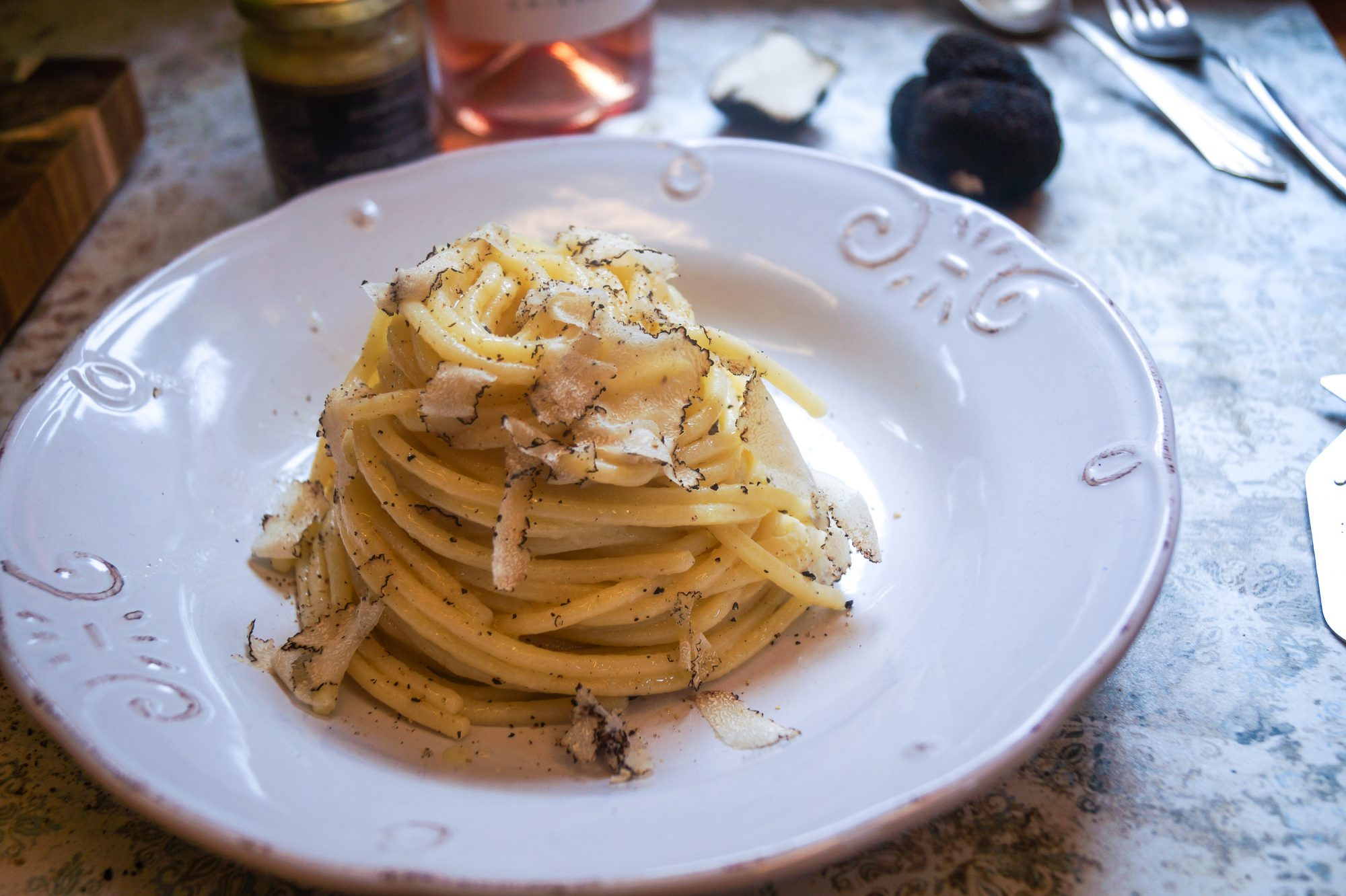 Spaghetti alla Chitarra mit schwarzem Trüffel