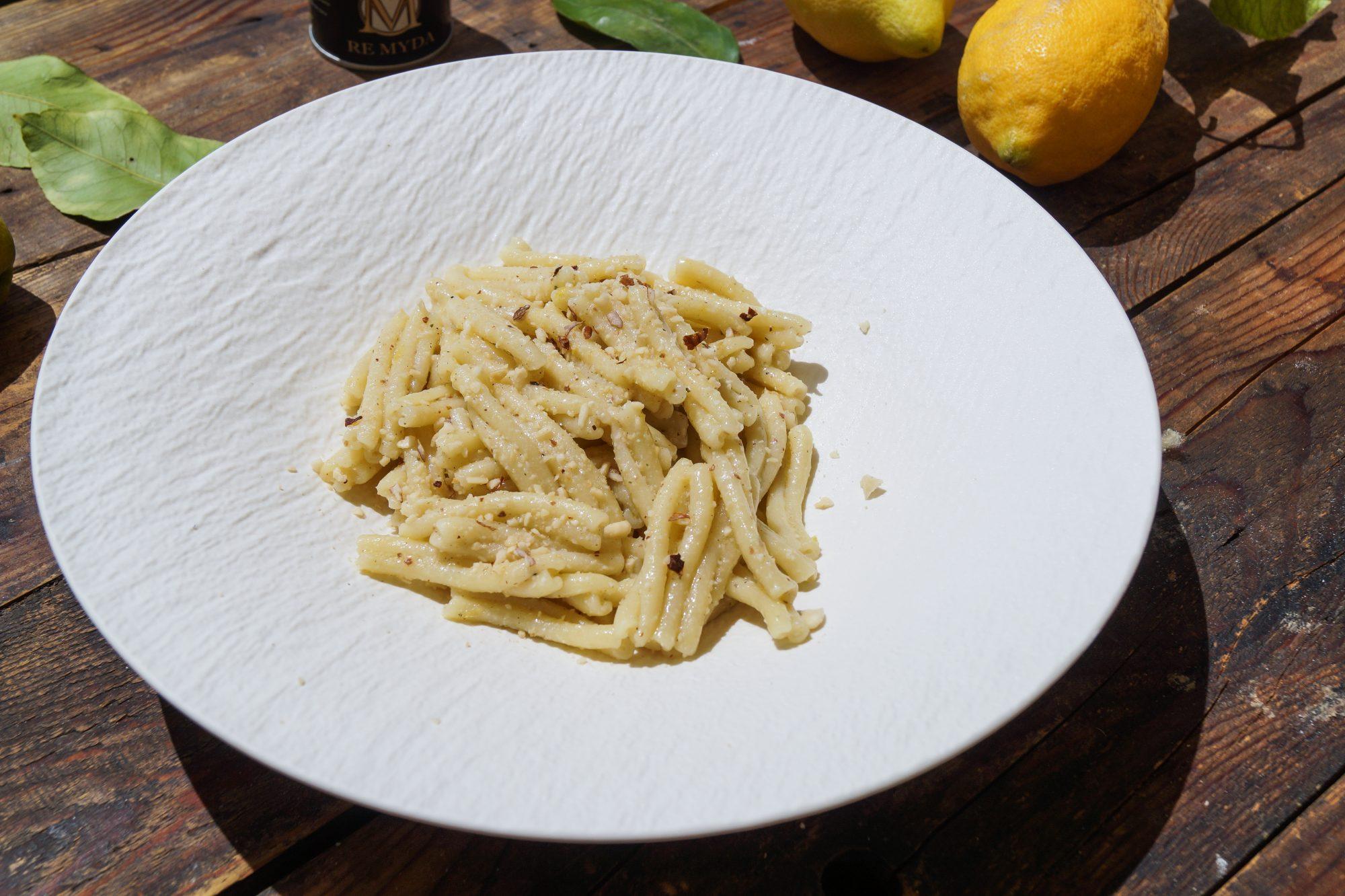 Casarecce al Pesto di Mandorle e Limone
